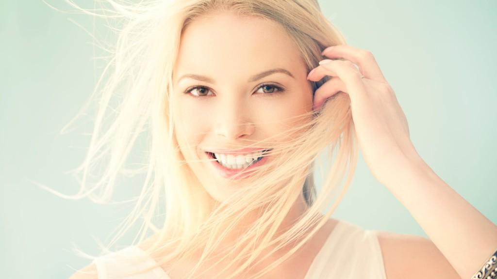 beauty girl smiling | Uplus Dental